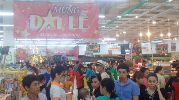 HCM City supermarkets see sales surge during holidays
