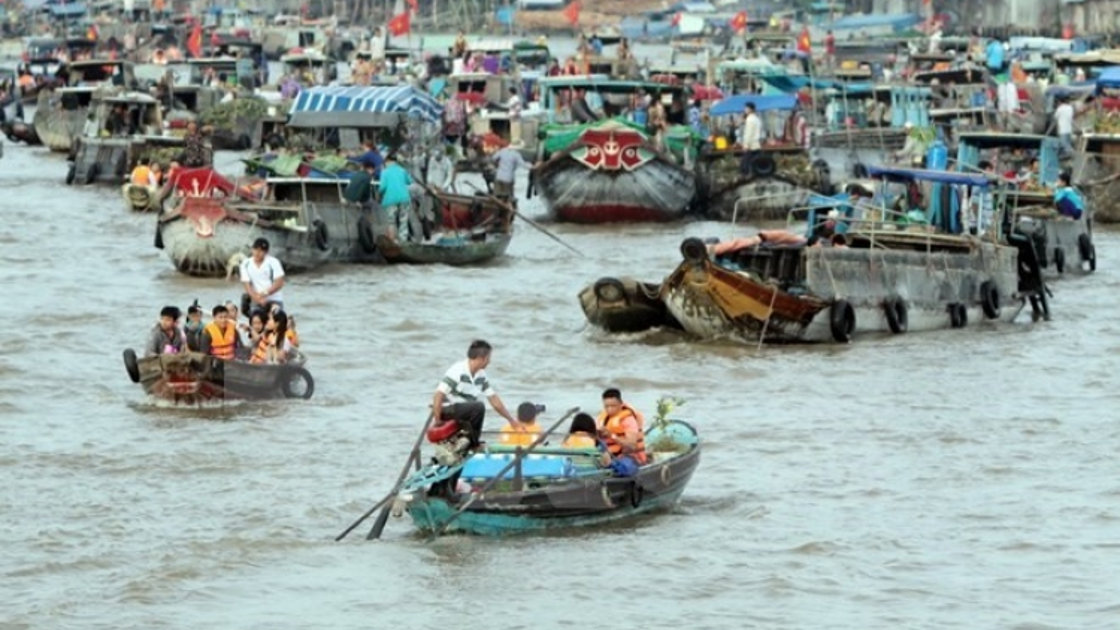 Hanoi cultural week features Cai Rang floating market