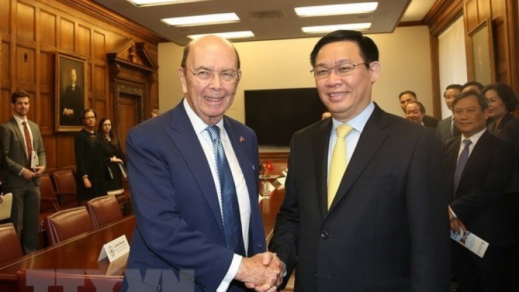 Deputy PM discusses trade, investment ties with US officials