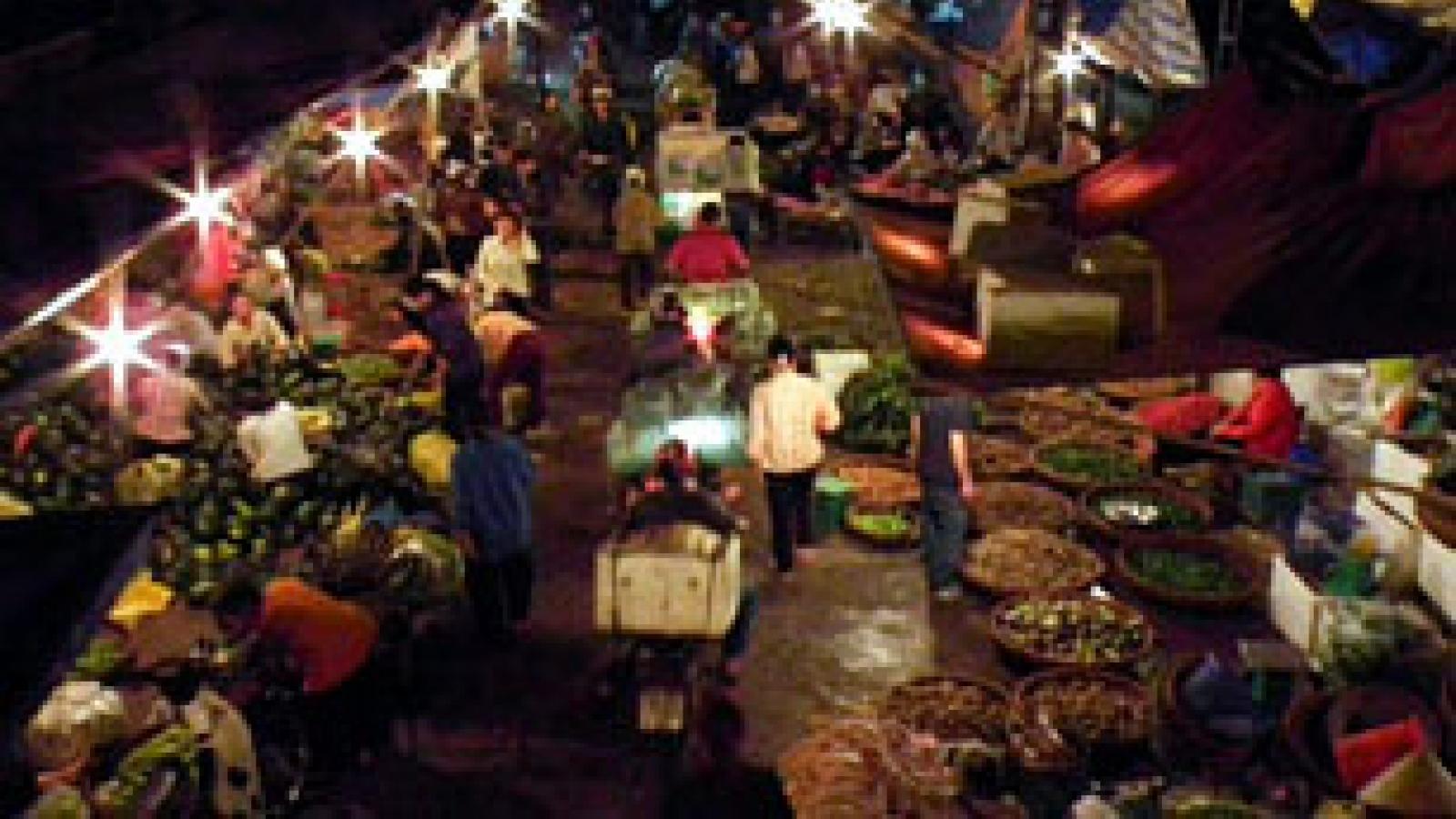 Conde Nast Traveler lists Long Bien Market a world's best