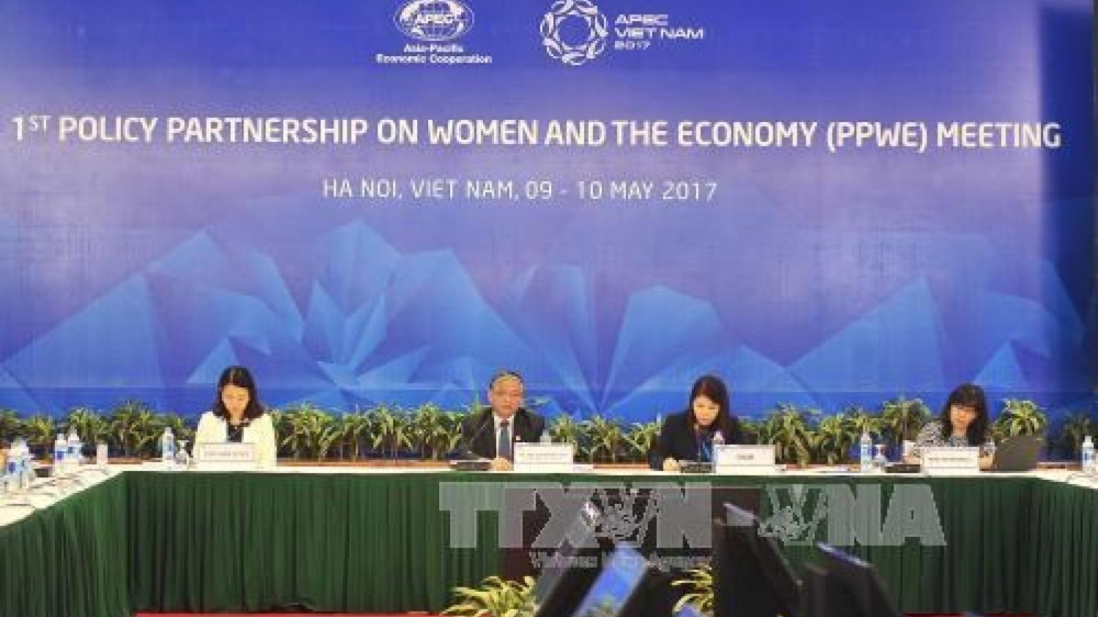 APEC meeting discusses women's role in economy