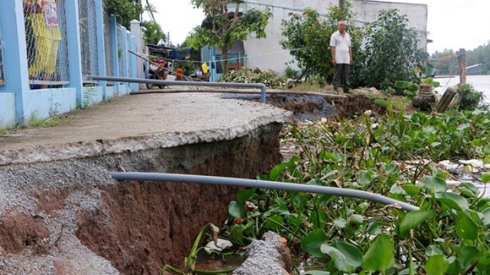 Mekong to relocate landslide-prone households