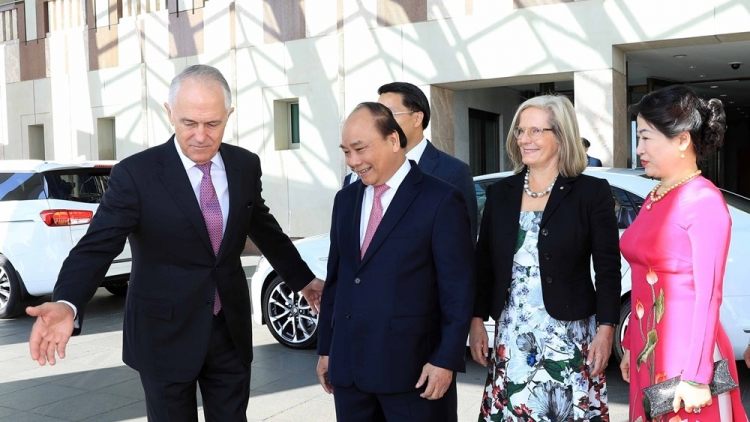 Solemn welcome ceremony for PM Phuc in Canberra