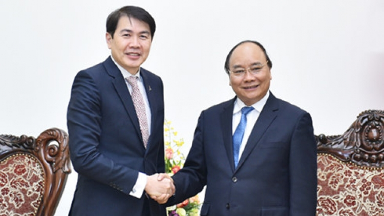 Government leader hosts Singapore's CEO of CapitaLand