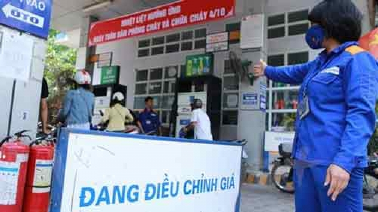 Fuel prices gain over VND700 per litre