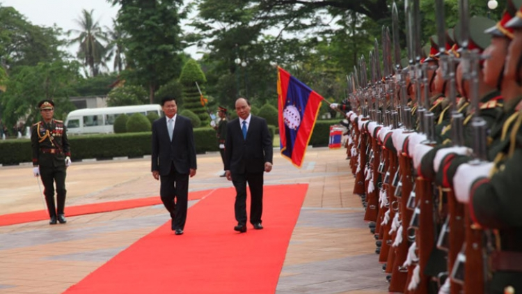 In photos: PM Phuc welcomed in Laos