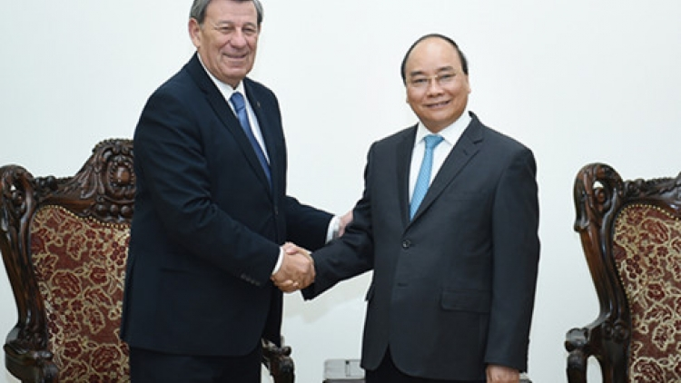 PM: Vietnam eager to boost cooperation with Uruguay