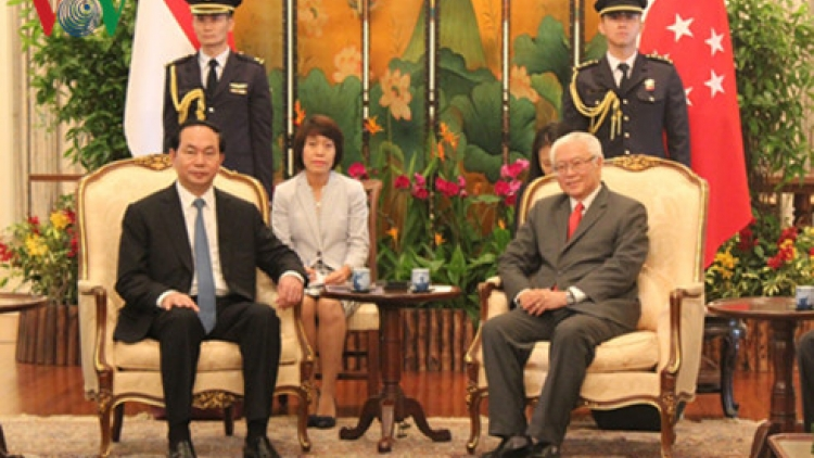 Vietnam, Singapore hold high-level talks