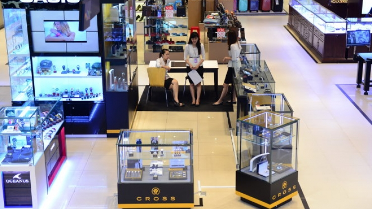 Retailers exit shopping malls in HCM City