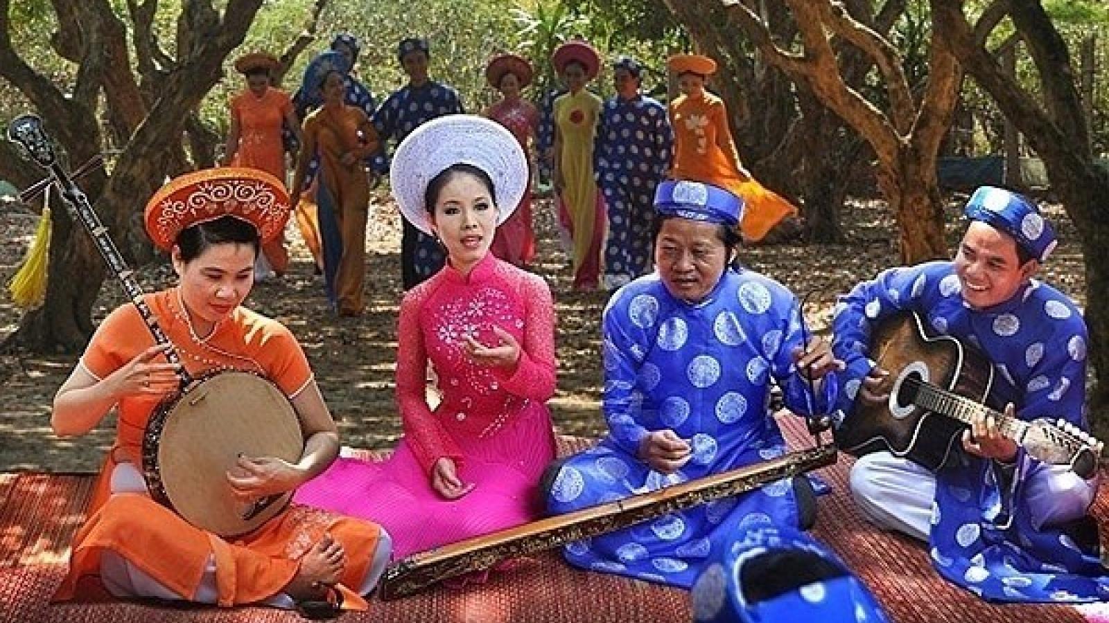 Southern folk music festival held
