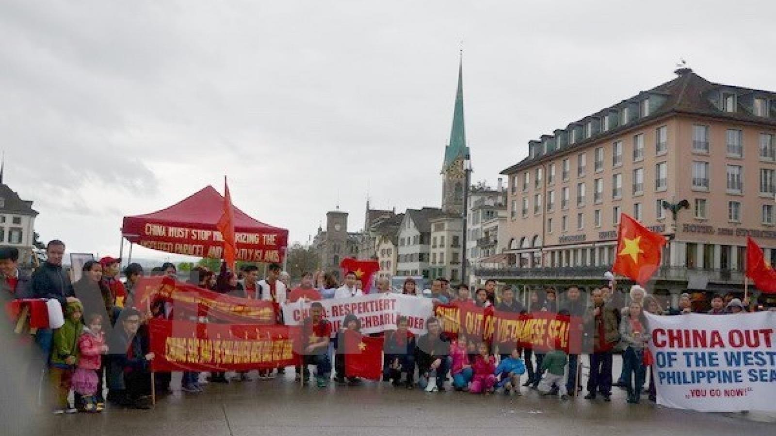 Outstanding contributors to Vietnam-Switzerland ties honoured