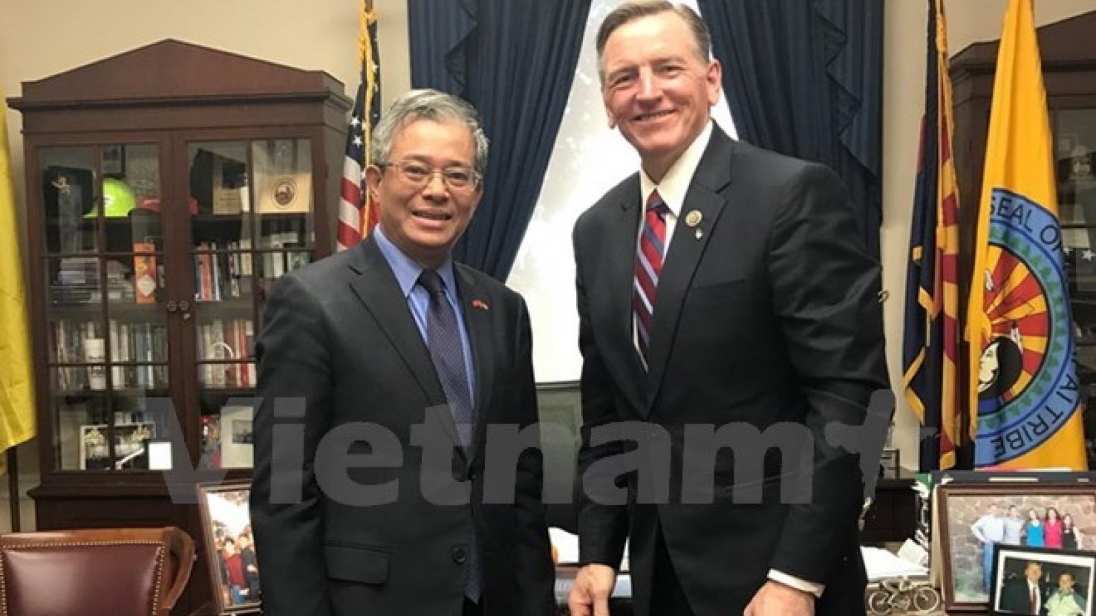 Vietnam, US seek stronger cooperation in energy, defence