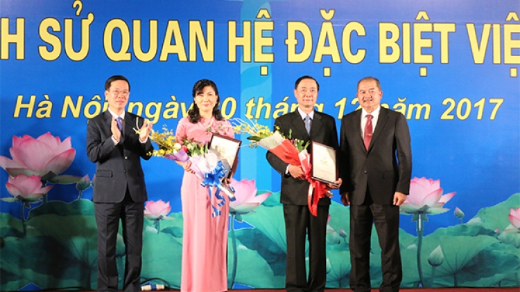 Winners of contest on history of Vietnam – Laos relations honoured