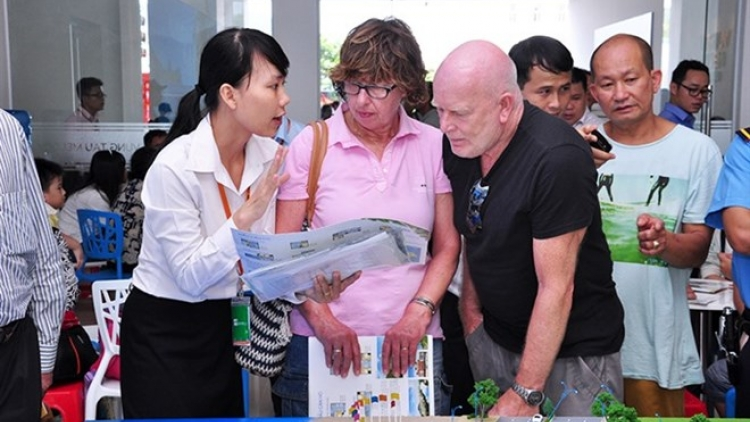 Vietnam needs to simplify property laws for foreigners