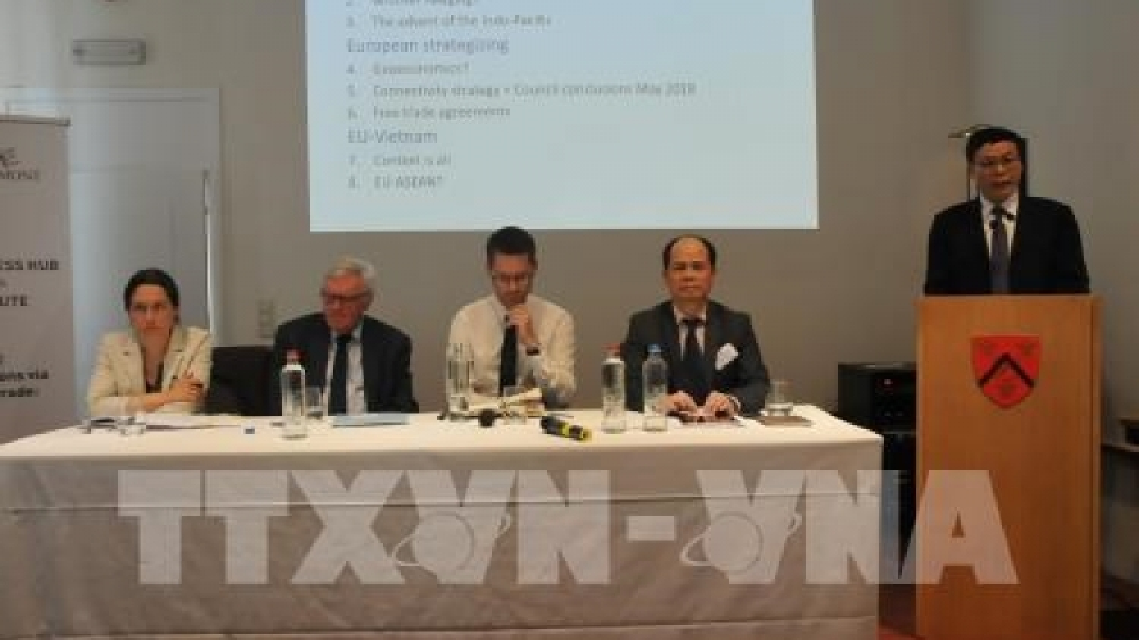 EVFTA, EVIPA deepen Vietnam-EU trade ties: seminar