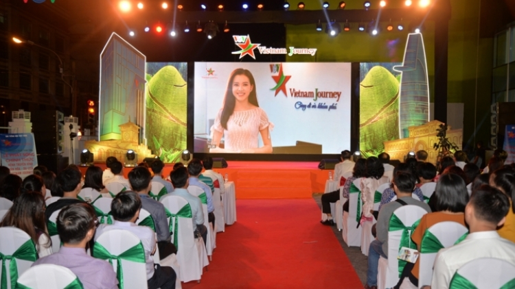 In photos: Vietnam Journey TV channel goes live on air