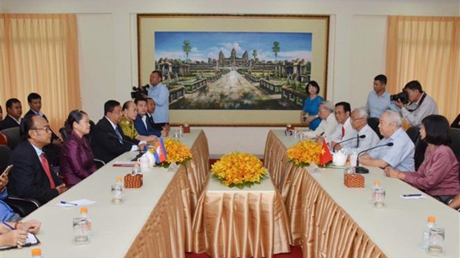 Friendship associations of Vietnam, Cambodia boost ties