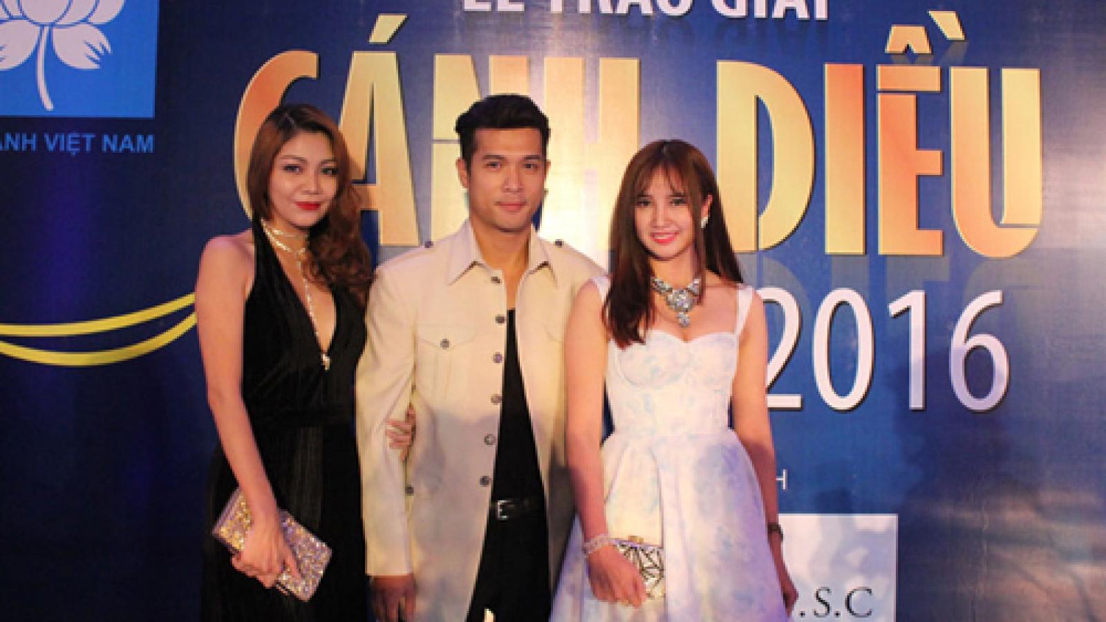 Celebrities attend Golden Kite Awards ceremony