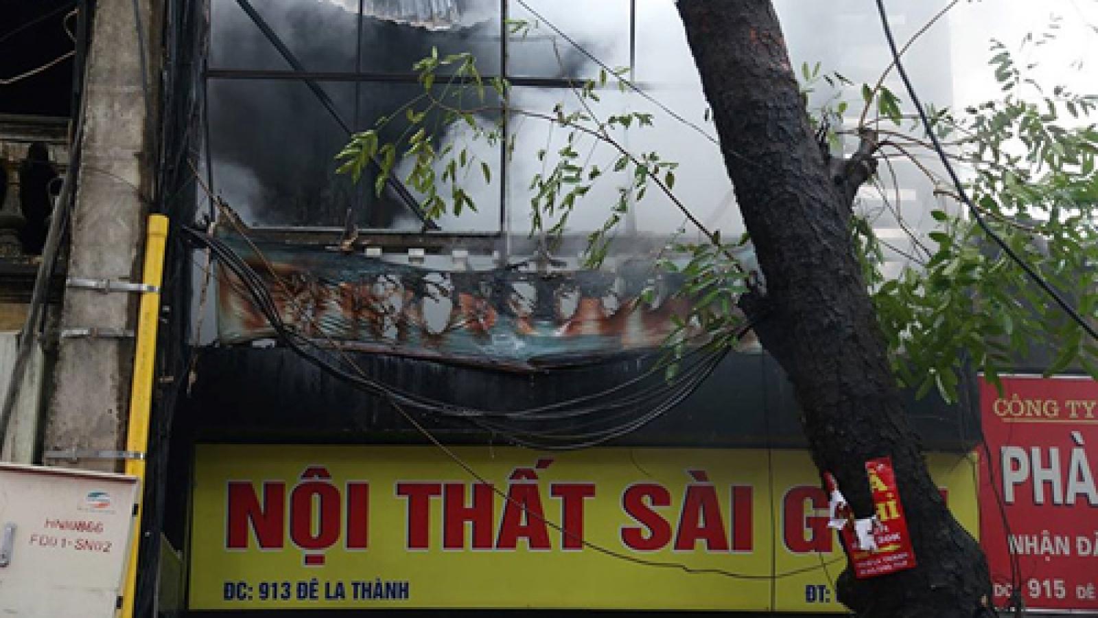 Fire destroys furniture store in Hanoi