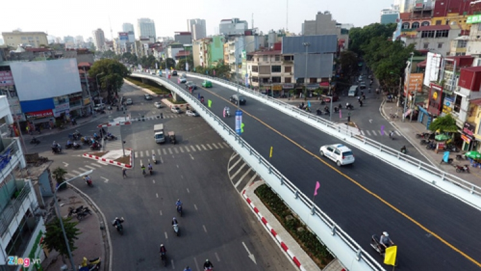 O Dong Mac – Nguyen Khoai flyover opens to traffic