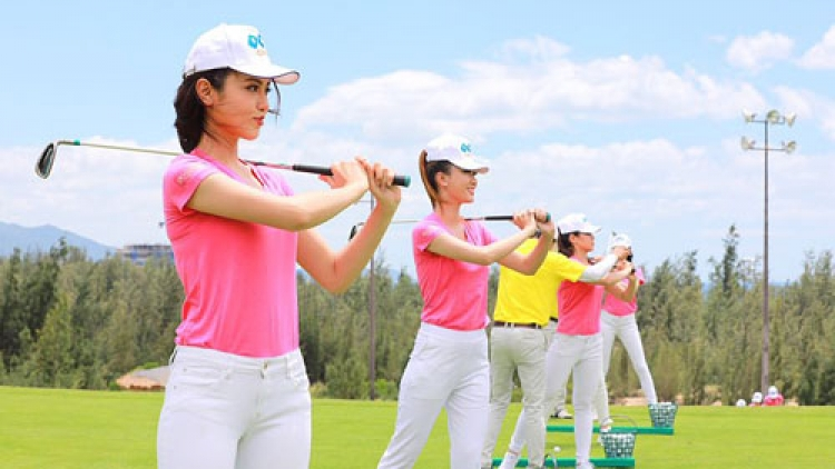 Top 30 Miss Vietnam southern contestants take golf training