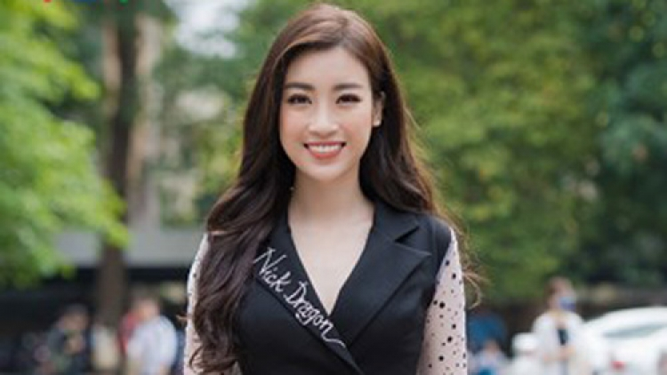 My Linh goes back to school with Miss Vietnam 2018