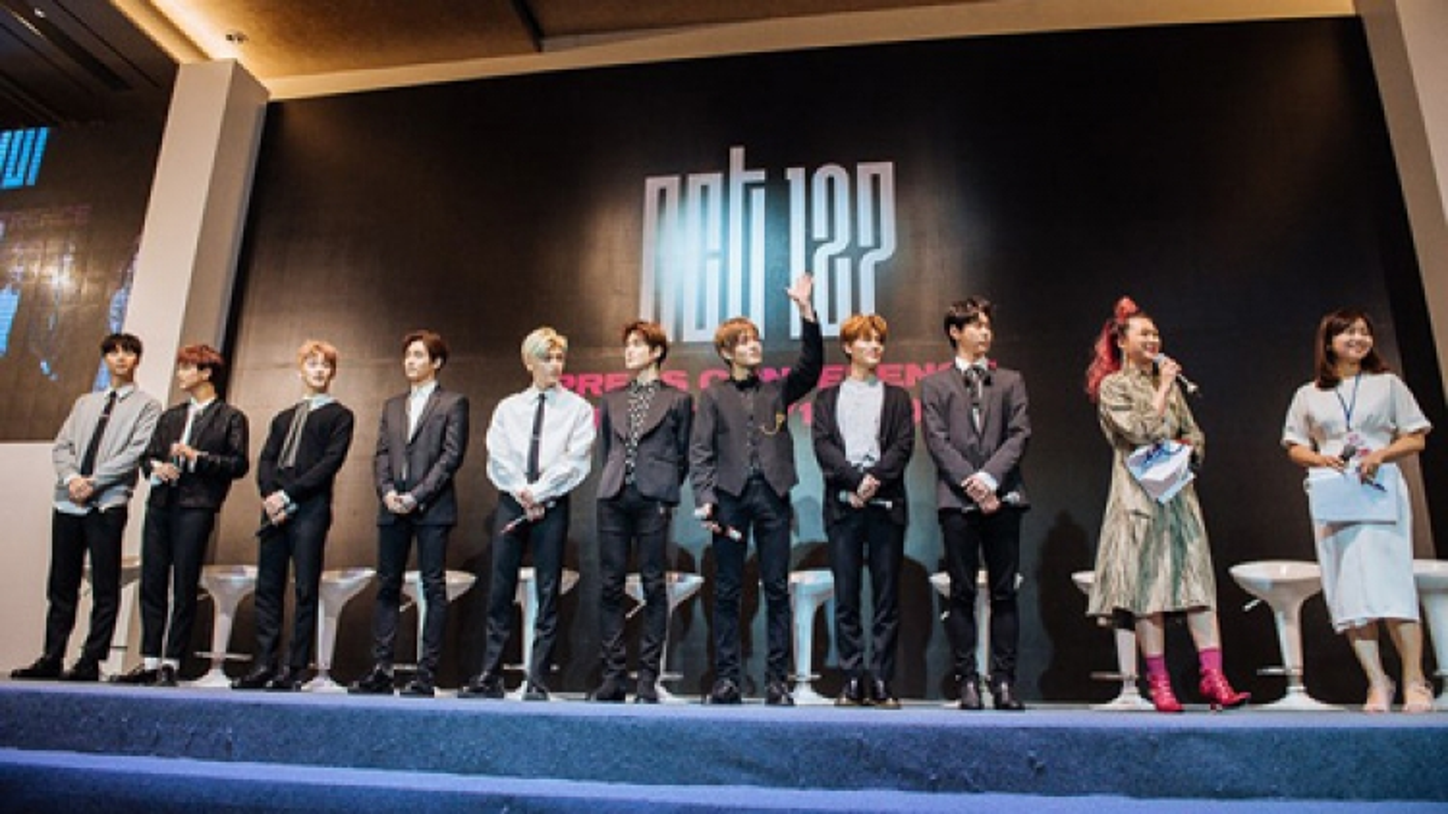 Korean band NCT 127 meet Hanoi fans