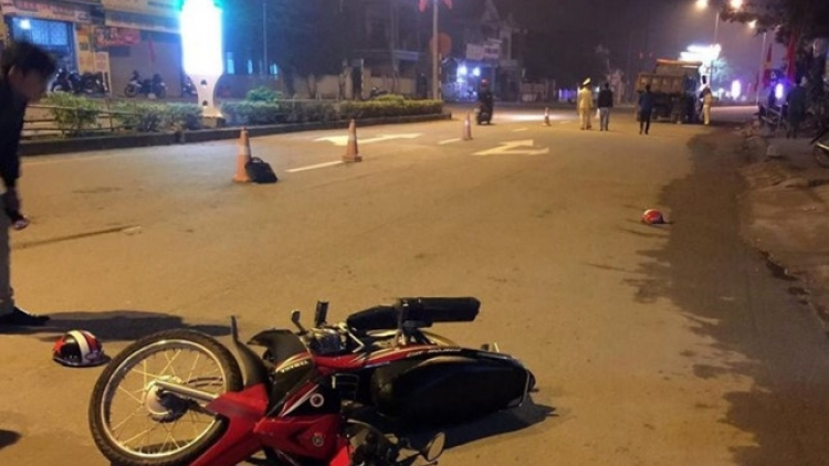 Two killed, one injured after truck collision in Quang Tri