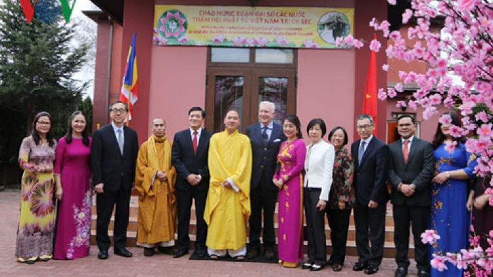 Ambassadors in Czech learn about Vietnamese culture