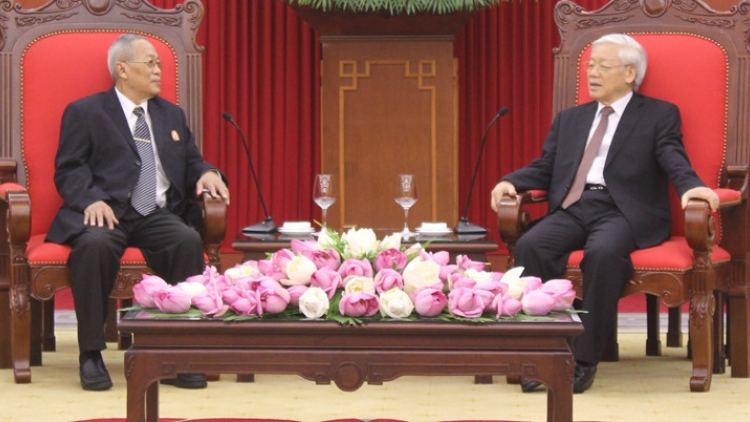 Vietnam desires to develop stronger ties with Cambodia