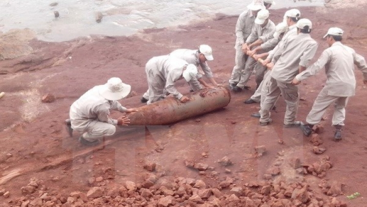 Thai Binh removes 250 kg wartime bomb