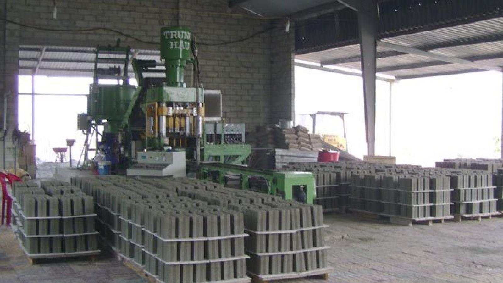 HCM City asks gov't for investment incentives for makers of unburned bricks