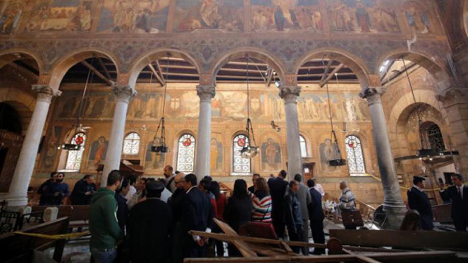 Cairo church bombing kills 25, raises fears among Christians
