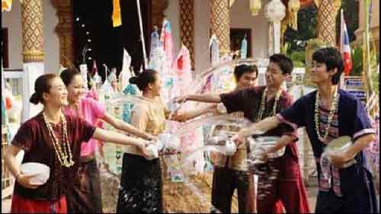 Cambodia ensures traffic safety, order for traditional New Year
