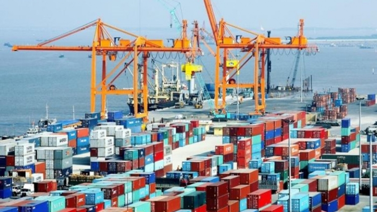Vietnam racks up US$1.3 billion trade deficit by mid-February