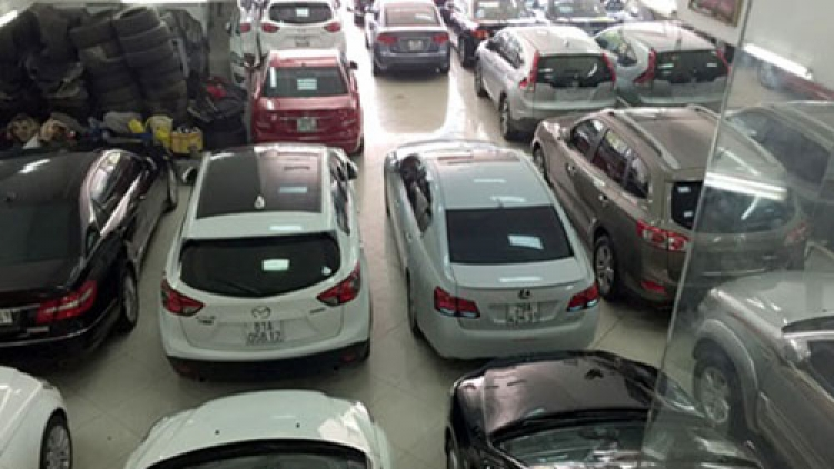 Automobile market booms in 2015 amid worries