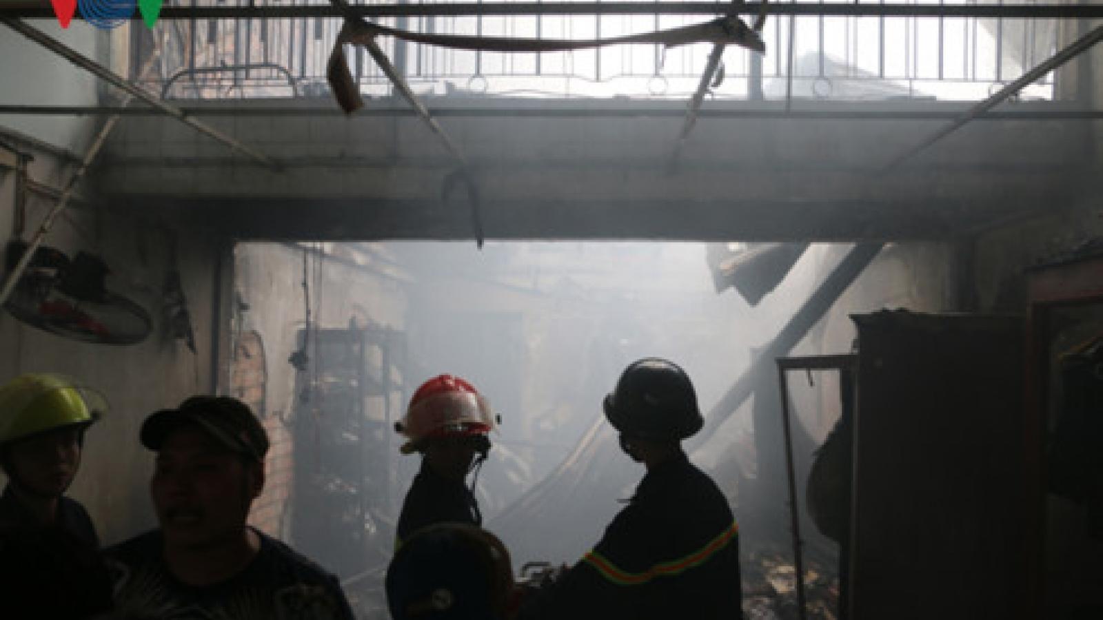 Fire tears through southern Vietnam city, destroys 3 homes