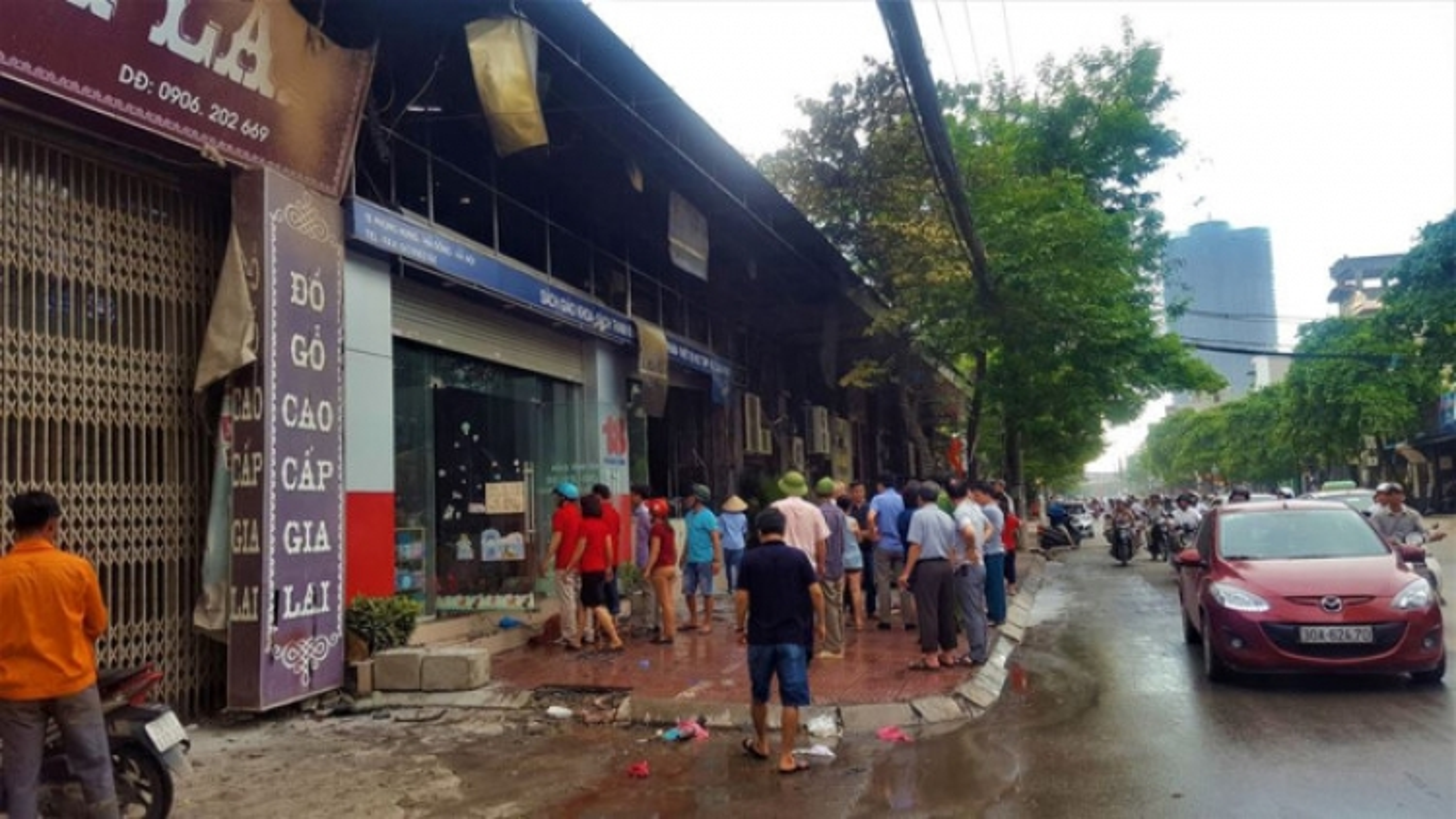 Fire guts bookstore in heart of Hanoi