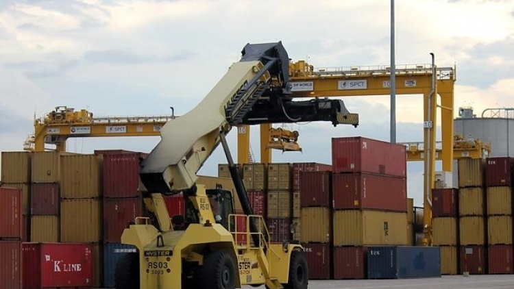 Trade deficit with China nears US$12b in Jan-Apr