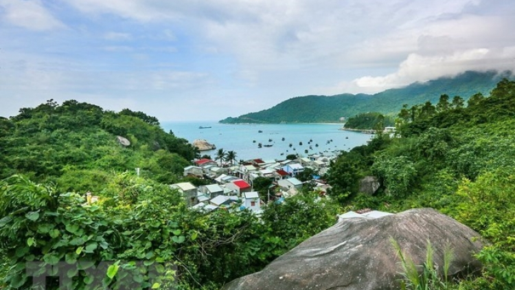 Quang Nam reviews tourism projects on Cham Island