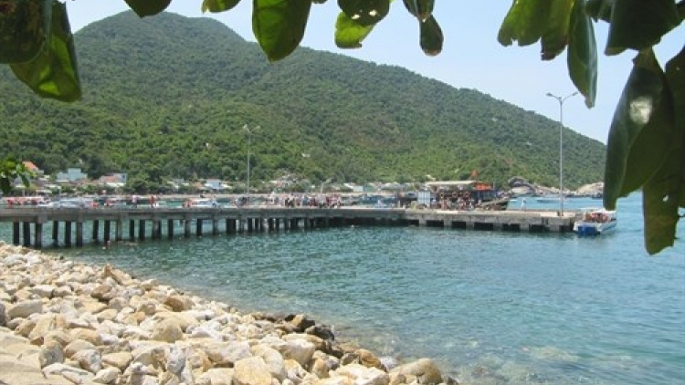 Cham Islanders join power grid
