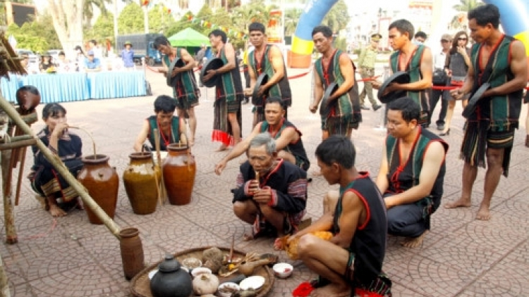 New rice ceremony of the M'nong Gar