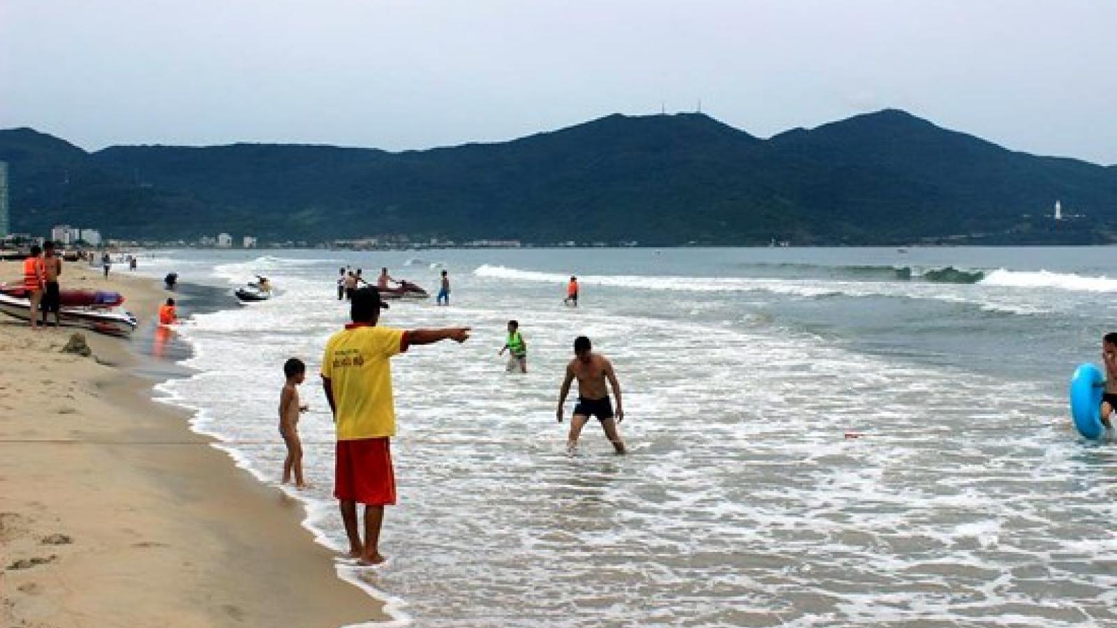 Da Nang assures coastal waters safe amid ongoing fish-death crisis