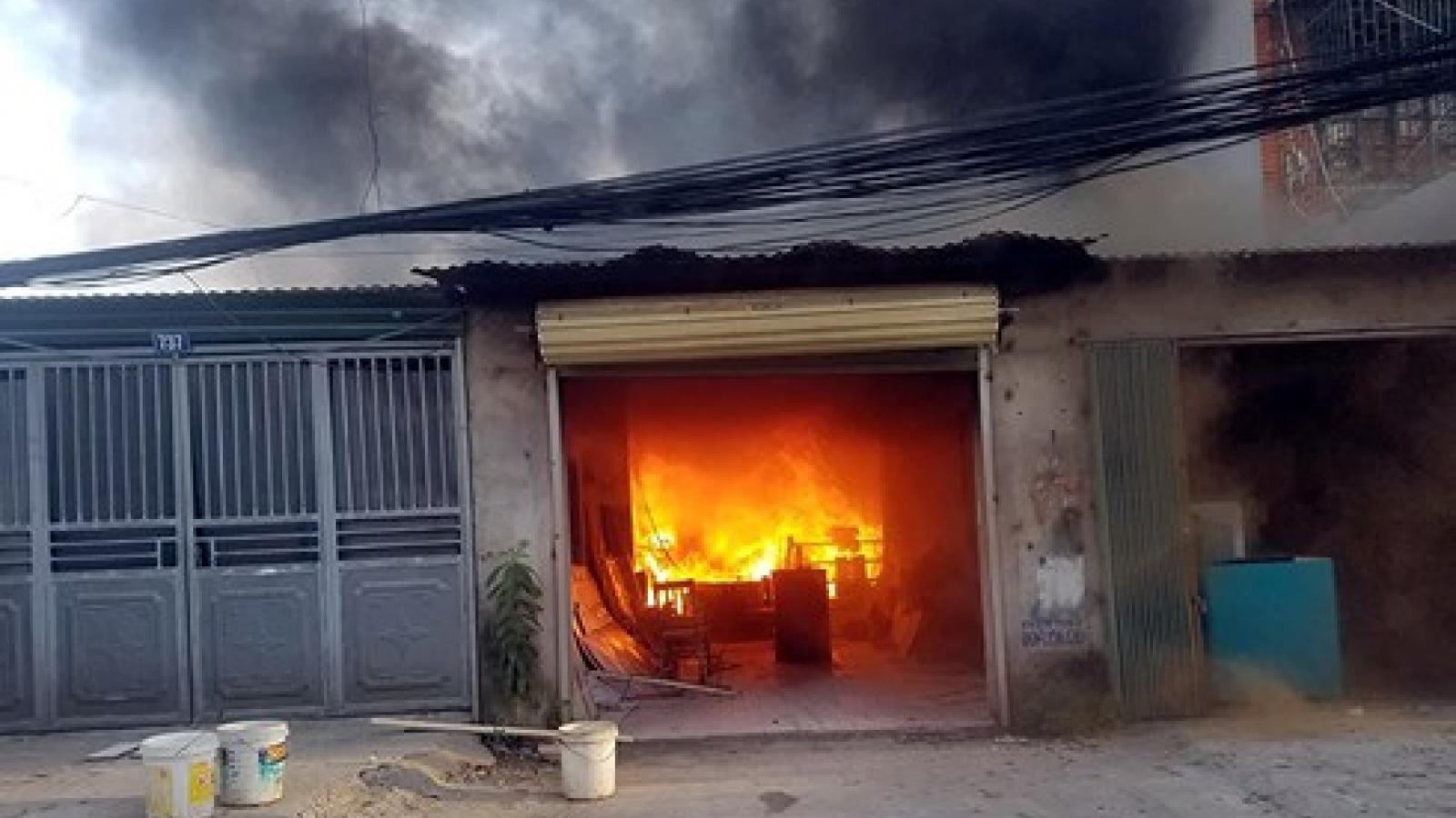 Fire engulfs wooden workshops in Hanoi