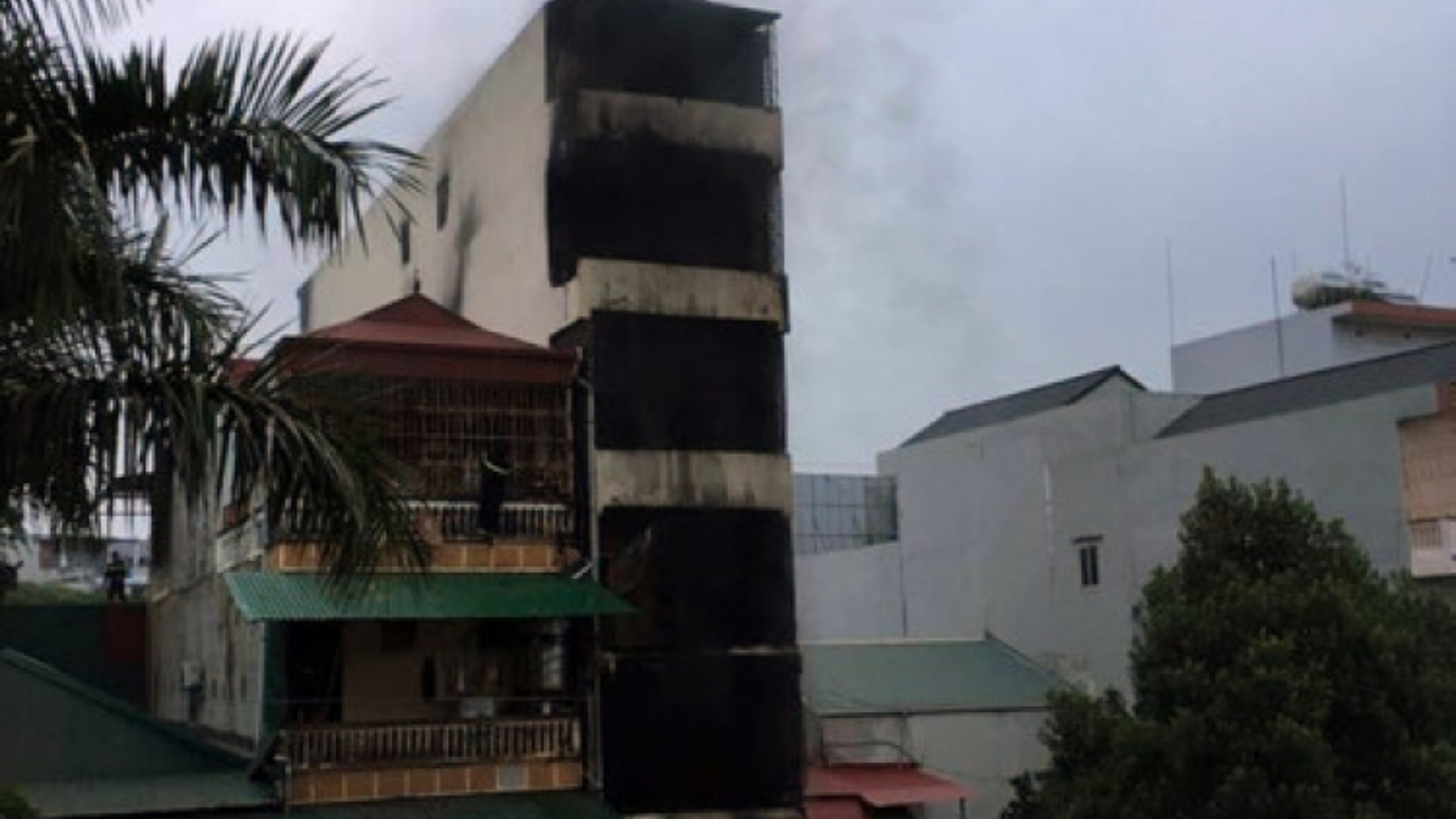 Two girls killed in morning fire in Hanoi