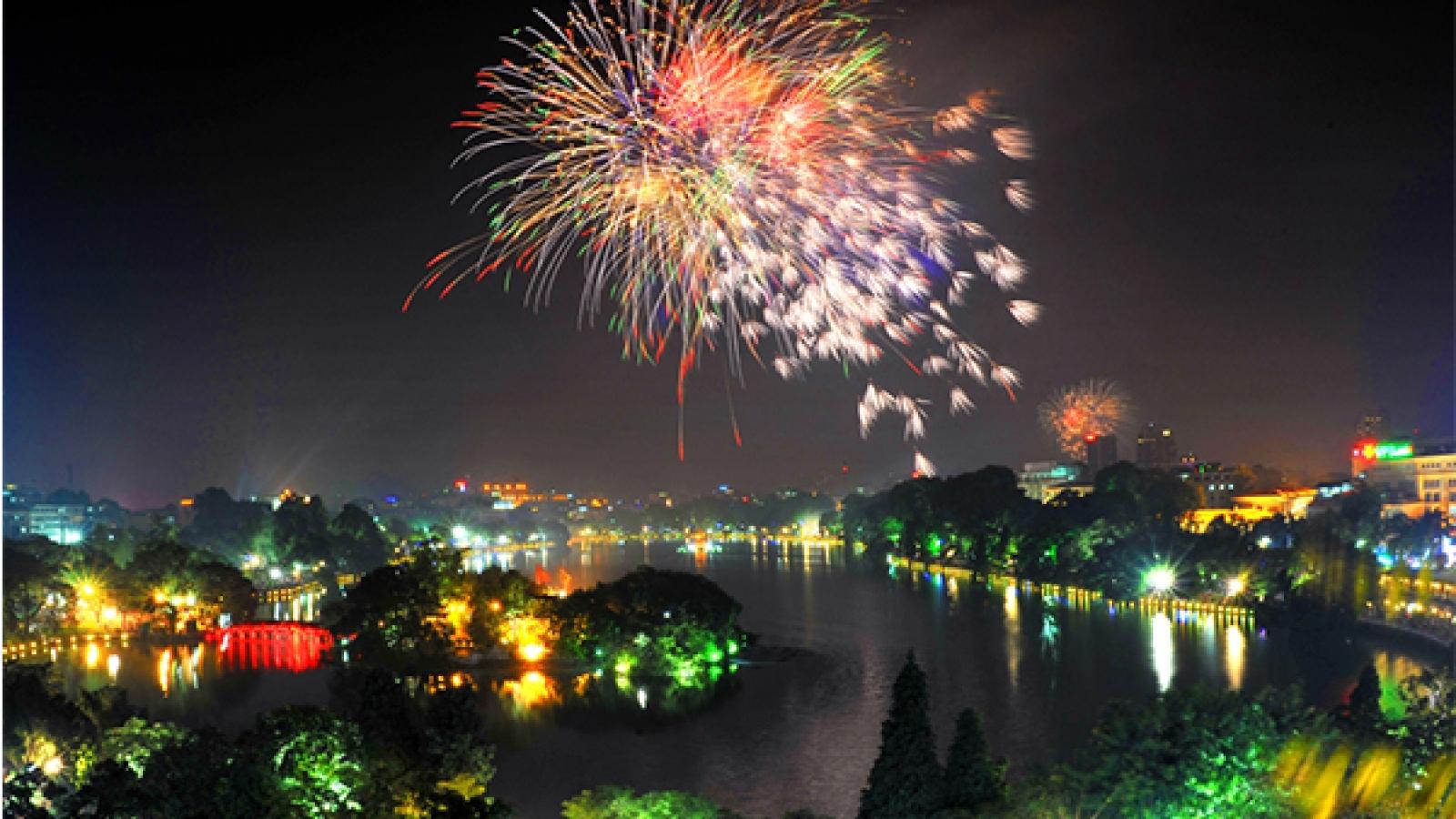 Firework shows to light up Hanoi skies during Tet