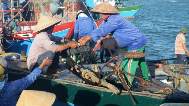 Fisheries trade union protests Chinese ships' attacks on Vietnam's boats