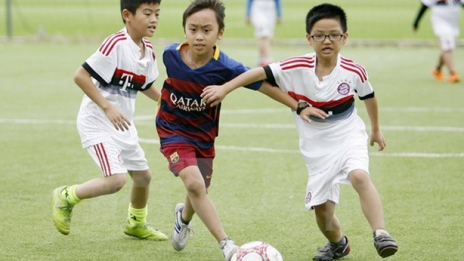 FIFA, UEFA help Thua Thien-Hue develop community-based football