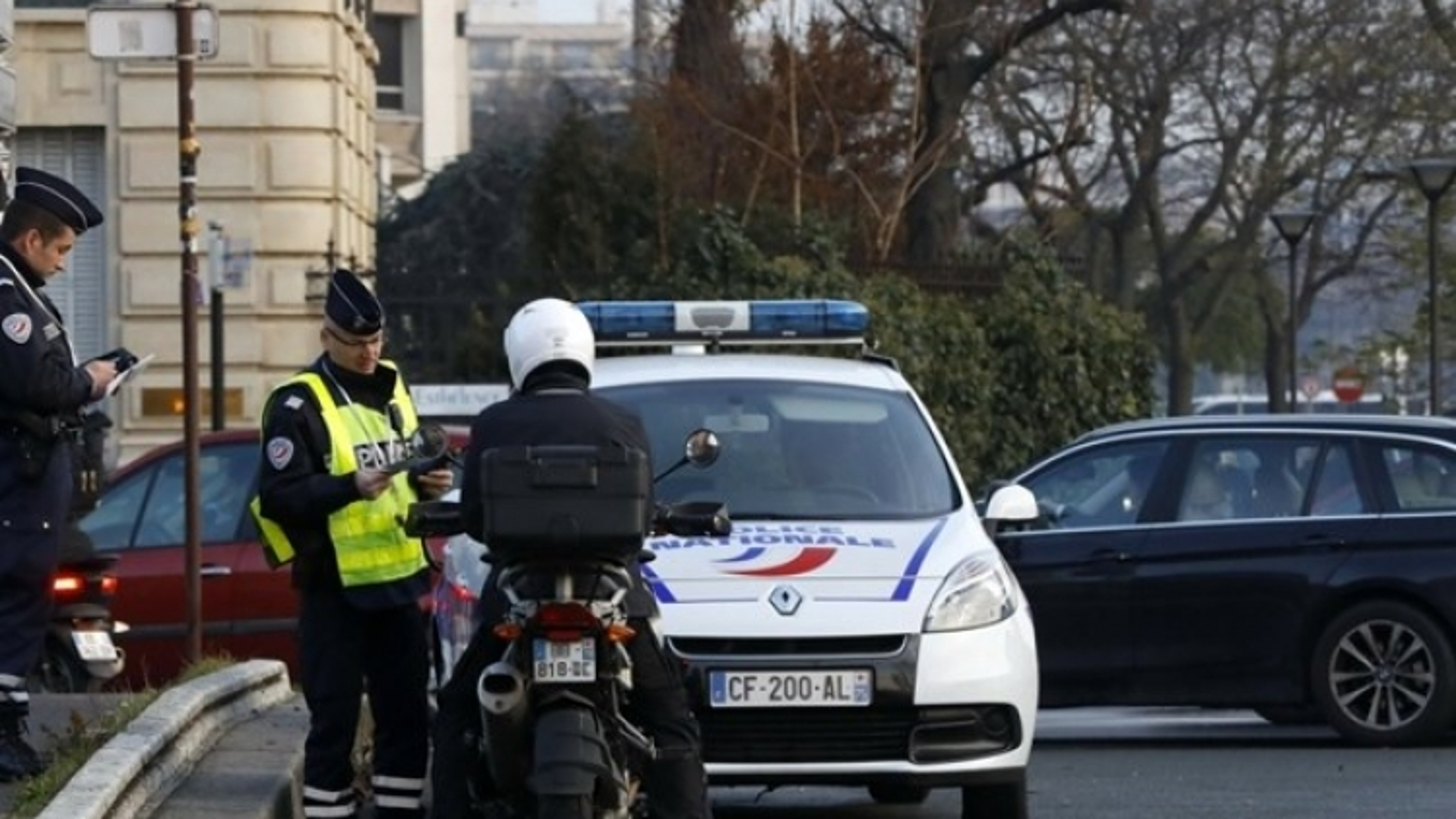 France arrests new suspect in foiled terror plot