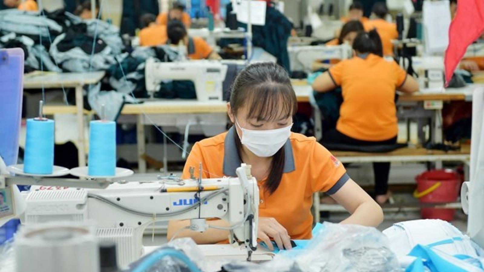 Garment firm to seek opportunities in Canadian market